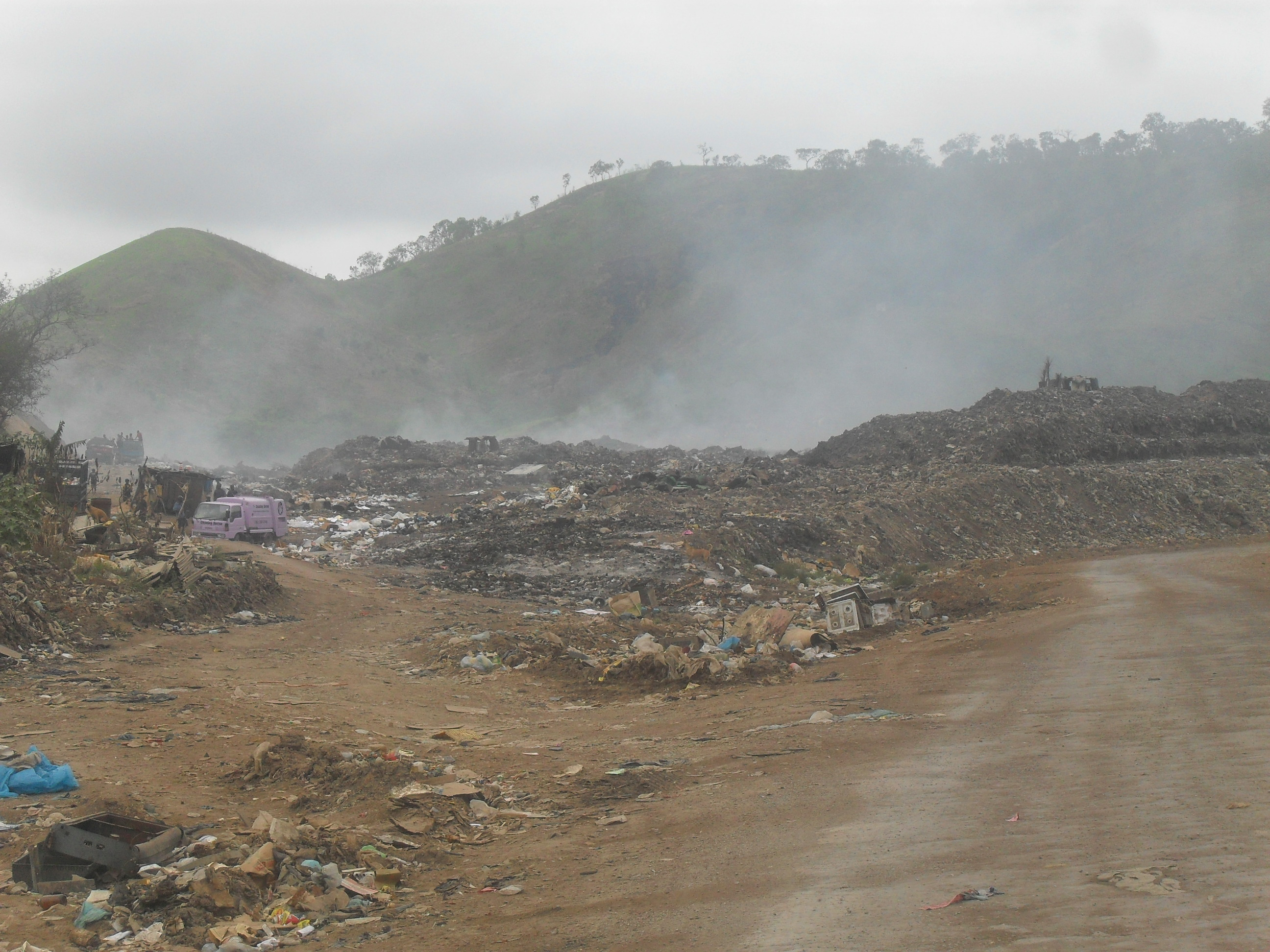 Baruni Dump landfill in Port Moresby – open burning of waste