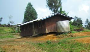 The rundown health centre building in Kolombi