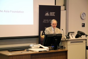 Roger Riddell presenting at the 2014 Australasian Aid and Development Workshop