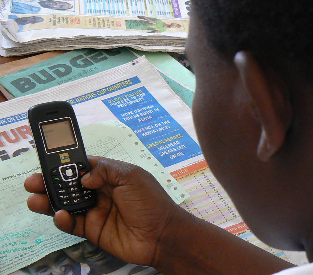 Mobile phone (Flickr/Ken Banks, kiwanja.net)