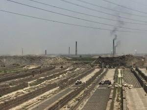 Brick kilns in Bangladesh (image: Bharadwaj & Bhattacharjee/IIP)