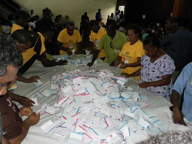 Vote counting centre, POM (Flickr/Commonwealth Secretariat/Geraldine Goh)