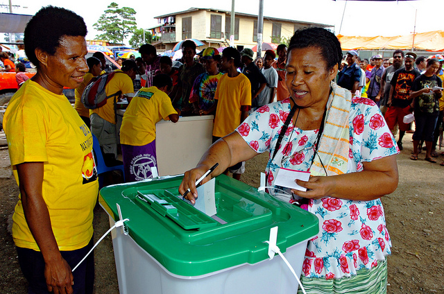 Jennell Poigeno casts her vote in 2012 election (image: Flickr/Commonwealth/Tarami Legei)