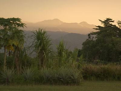 Sarawaged Mountains at dawn (Flickr/Nomad Tales)