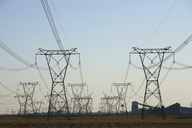 Lethaba Power Station outside Sasolburg in the Free State, South Africa, 2007. South Africa relies heavily on coal for its energy needs. (Flickr/World Bank)