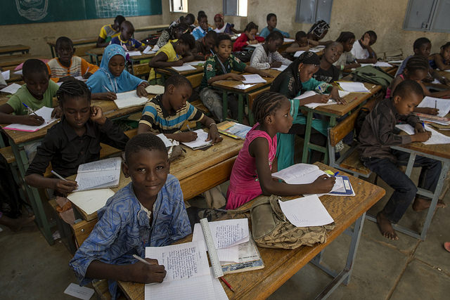 School children in a classroom in Gao, Mali (Flickr/UN Photo/Marco Domino)
