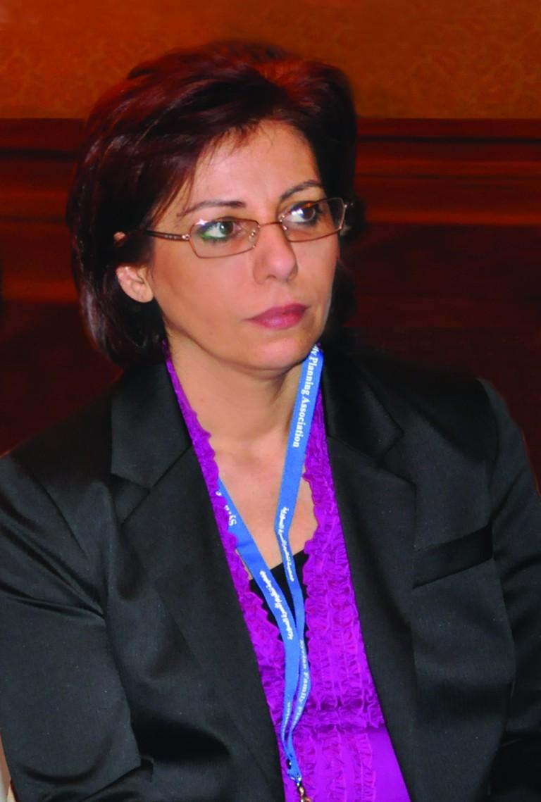 Dr Lama Mouakea