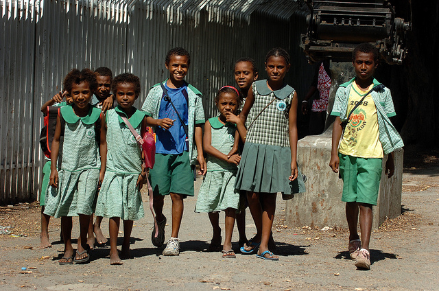 PNG school children (Flickr/Commonwealth Secretariat/Tarami Legei)