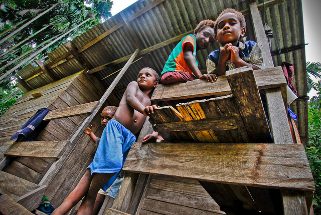 Children in Kimbe, West New Britain (Flickr/Asian Development Bank CC BY-NC-ND 2.0)