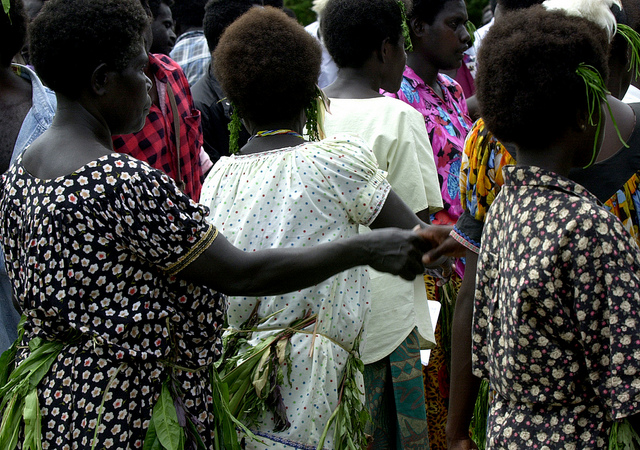 Shaking hands, Arawa, Bougainville (Flickr/Australian Civil-Military Centre/John Coombe CC BY 2.0)