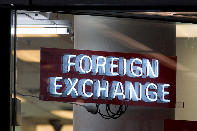 Foreign exchange sign (Flickr/russellstreet CC BY-SA 2.0)