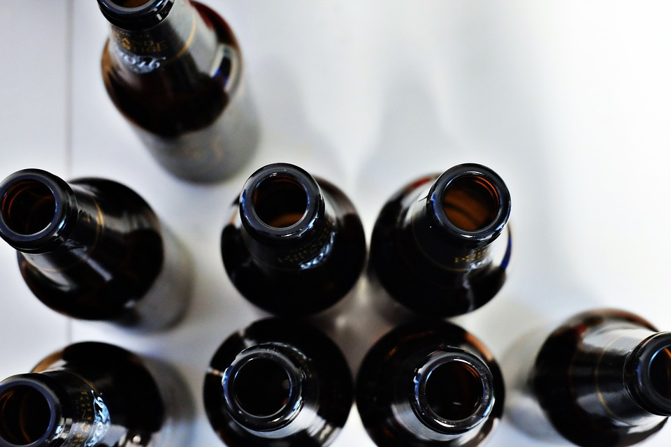 Empty bottles (image: Pixabay, public domain)