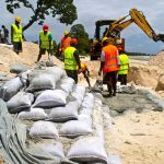 Who receives aid for adaptation to climate change in Oceania?