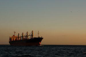 Oil tanker in the Bosphorus (Flickr/Mr Hicks46 CC BY-SA 2.0)