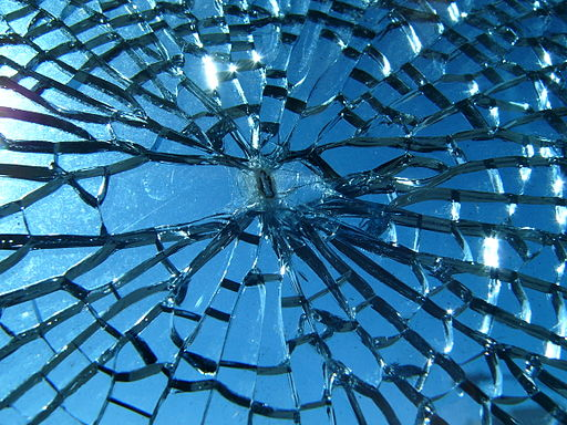 Broken glass (Wikimedia Commons/Jef Poskanzer CC BY 2.0)