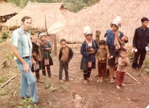 phillip-with-hmong-refugees-in-ban-vinai-camp-thailand188
