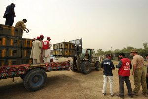 Loading of Australian stores for gifting to the Pakistan Red Crescent, 2010 (Flickr/DFAT/Australian Defence Force CC BY 2.0)