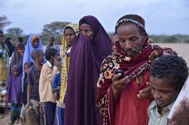 Texting, Dadaab Refugee Camp (Internews Europe CC BY NC ND 2.0)