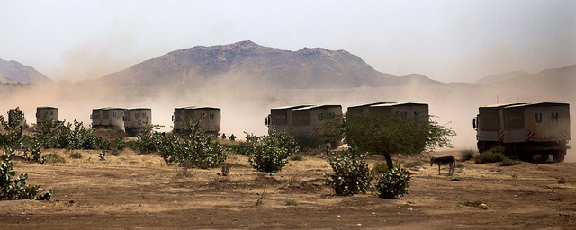 WFP trucks, North Darfur (Albert Gonzalez Farran/UNAMID/Flickr CC BY-NC-ND 2.0)