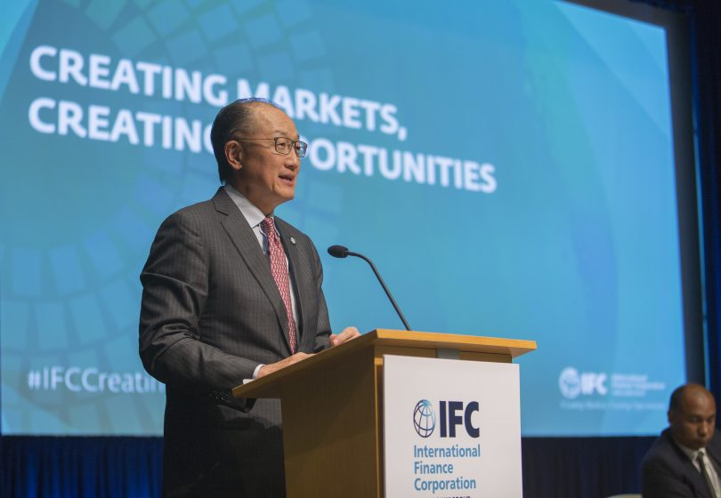 Jim Yong Kim speaking at World Bank/IMF 2017 Spring Meetings (World Bank/Flickr CC BY-NC-ND 2.0)