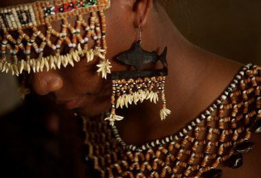 Bridal jewelry, Solomon Islands (Wade Fairley/World Fish/Flickr CC BY-NC-ND 2.0)