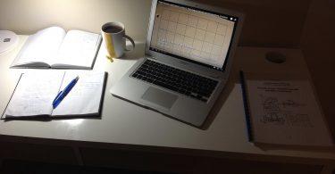 Study table (Matt Harasymczuk/Flickr CC BY-SA 2.0)