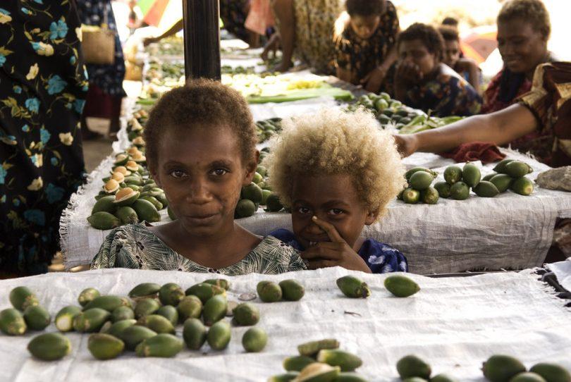 Selling betelnut at market (Taro Taylor/Flickr/CC BY 2.0)