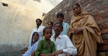 A family in slavery in Pakistan (Conor O'Loughlin/Trocaire/Flickr/CC BY 2.0)