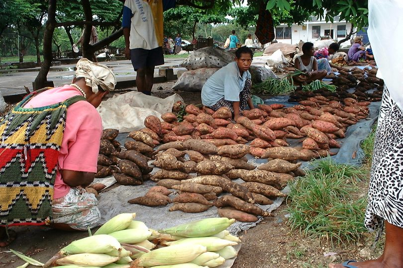 Market in Madang, PNG (Tanaka Juuyoh/Flickr/CC BY 2.0)