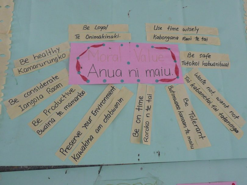 Bilingual classroom poster, Kiribati (Photo: Hilary Smith)