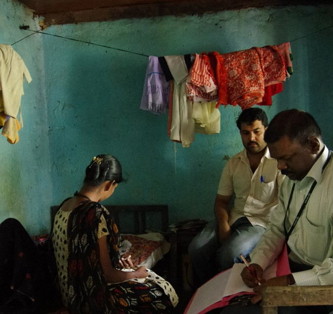 A home visit for palliative care in Kerala, India (Francois Decaillet/Flickr/CC BY-NC-ND 2.0)