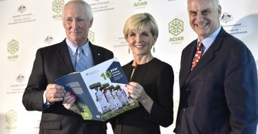 (Left to right) Mr Don Heatley OAM (ACIAR Commission Chair), Foreign Minister Julie Bishop, and Professor Andrew Campbell (ACIAR CEO) at the launch of ACIAR's 10-year strategy