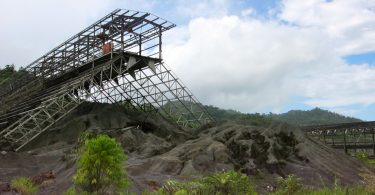 Remnants of the former Panguna mine buildings, PNG (madlemurs/Flickr/CC BY-NC-ND 2.0)