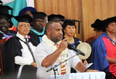 Prime Minister Marape addresses graduates at the Pacific Adventist University, December 2019 (Credit: PMNEC)