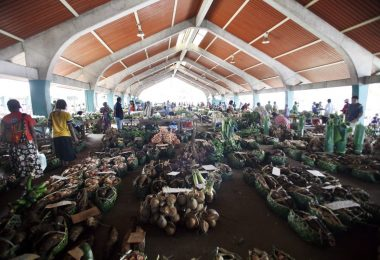Port Vila vegetable market, Vanuatu (Rob Maccoll/DFAT/Flickr CC BY 2.0)