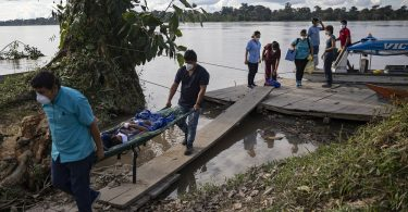 Indigenous communities on the Amazon in Peru have been hard hit by COVID-19 (Ginebra Peña Gimeno/thenewhumanitarian.org)