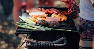 Food as if by magic: how can Australia thank its seasonal workers? (Unsplash/Stephanie Mccabe)
