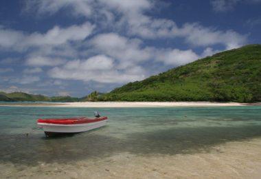 Australia leaves Fiji to flounder