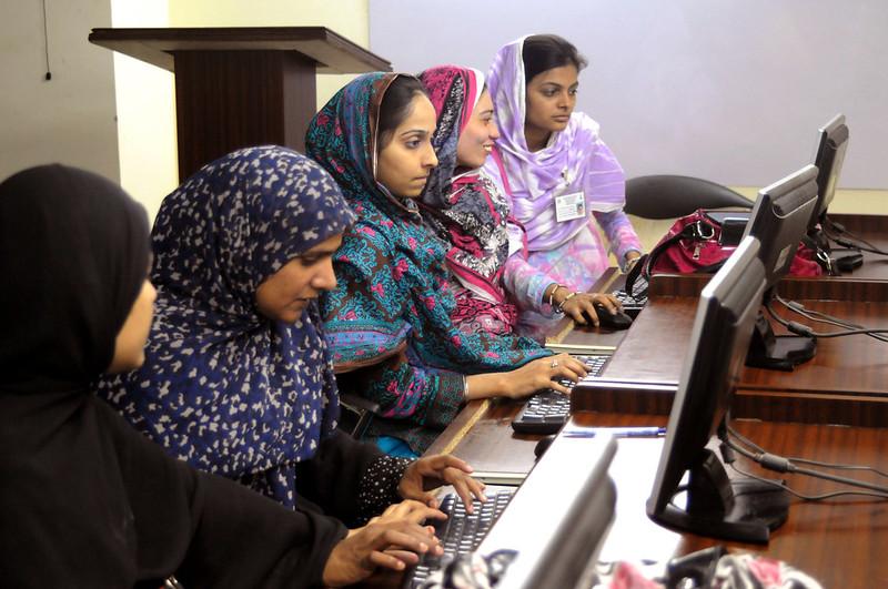 Women in Hyderabad learning computing skills