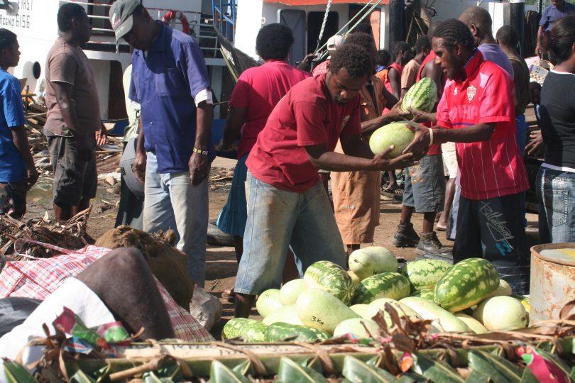 Market in Vanuatu (AusAID)