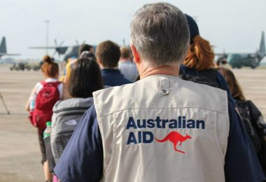Australian Aid workers (Anne Orquiza-DFAT-Flickr)